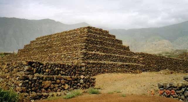 Piramidele de la Guimar